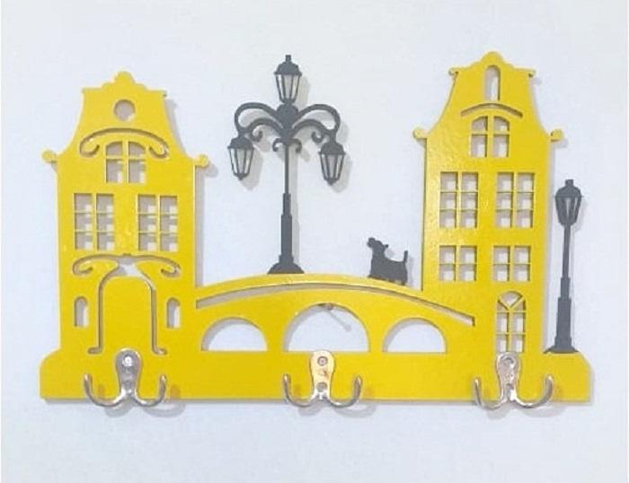 Porta Chave / Cabideiro - Castelinho Amarelo Em Mdf Pintado