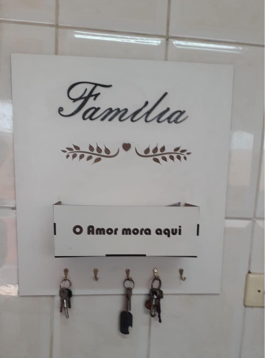 Placa Porta Chaves E Cartas Família Em Mdf Branco