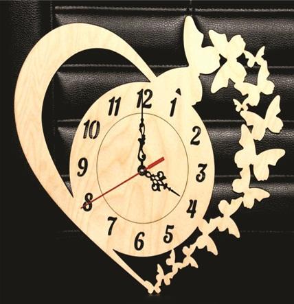 Relógio De Parede Coração Em Mdf