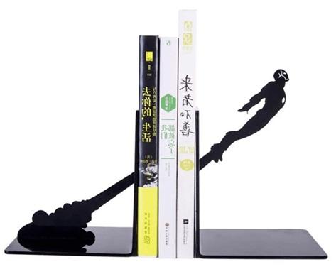 Enfeite Porta Livros Em Mdf - Homem De Ferro